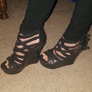 black madden girl wedges